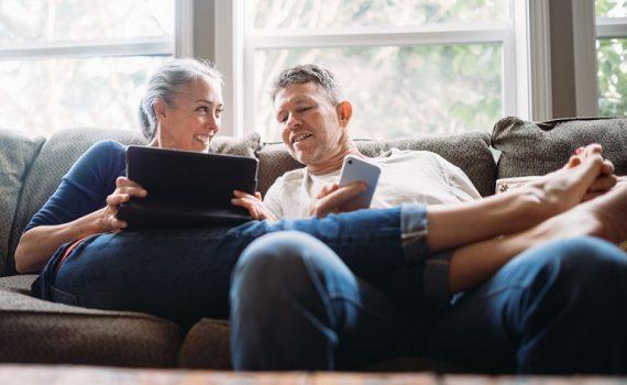 La actividad sexual mejora la sensación de bienestar en adultos mayores