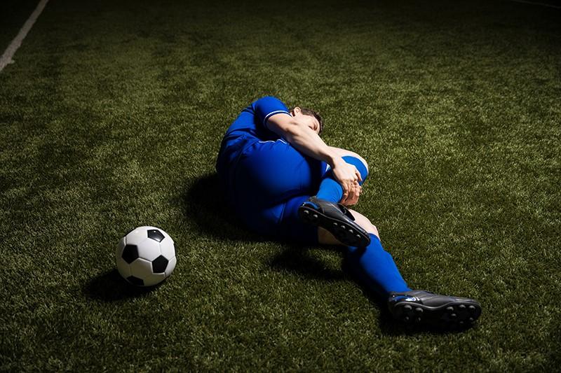 Incluso después de la cirugía, la lesión en el ligamento cruzado puede afectar la rodilla