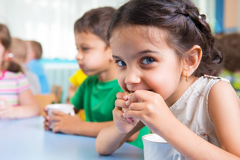 La comunicación adecuada favorece que los niños se alimentan bien