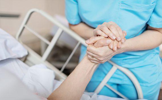 Aumento exponencial del gasto hospitalario de adultos mayores en Chile
