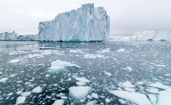 El calor excesivo derrite el hielo de Groenlandia