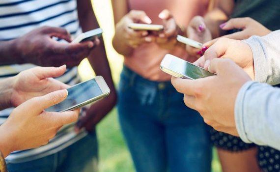 El uso de teléfonos móviles por más de 5 horas aumenta el riesgo de obesidad