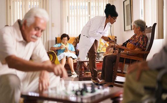 México carece de profesionales de gerontología