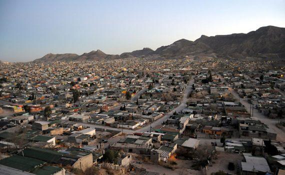 Juárez, en México, recupera su color
