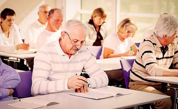 Debate: cómo lograr el empoderamiento de los adultos mayores
