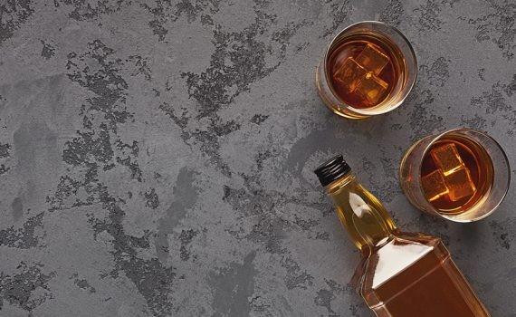 Bebidas alcohólicas alteran el ciclo circadiano del hígado