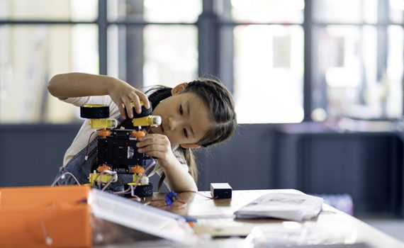 Programas para fomentar la tecnología en las niñas de México