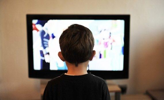 La televisión pública española transmite contenido educativo durante el confinamiento