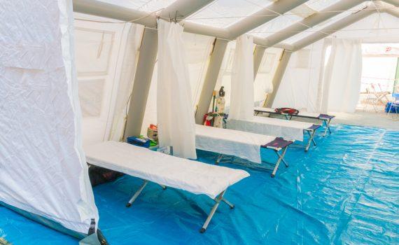 Edificios reconvertidos en hospitales para frenar al coronavirus