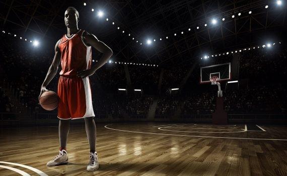 Medidas de seguridad del torneo de la NBA aíslan a los jugadores en complejos