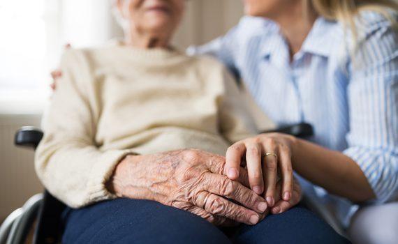 Crece el número de adultos mayores afectados por crisis humanitarias