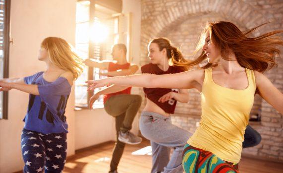 ¿Por qué bailar mejora la salud?