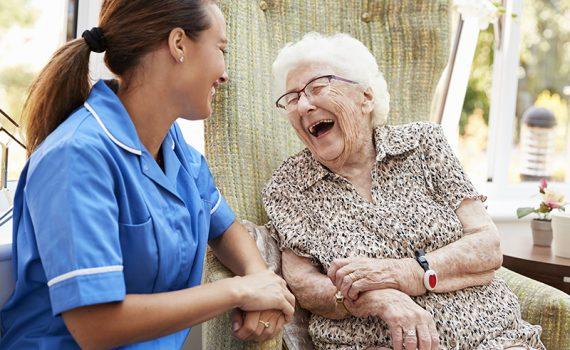 Problemas bucodentales comunes en el envejecimiento
