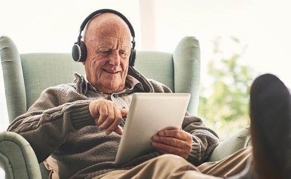 Beneficios de la tecnología en los adultos mayores