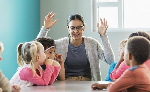 La importancia de la lengua de signos en la educación