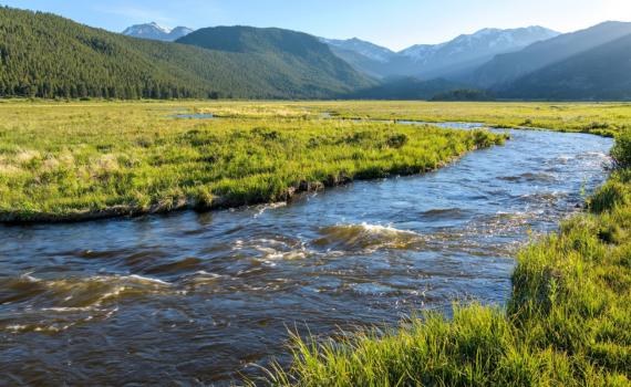 Investigación sobre energía hidroeléctrica sostenible