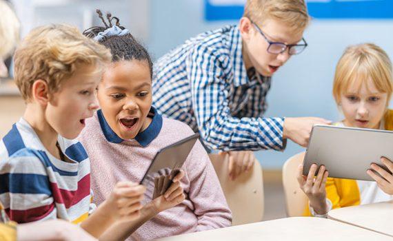 Los profesores fomentan el uso de la tecnología en el aula