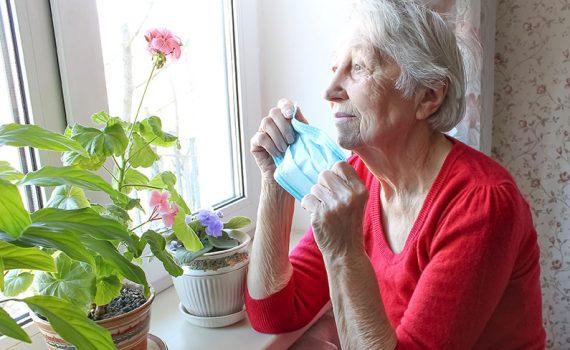 Los adultos mayores son silenciados con la pandemia
