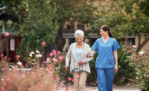 Los enfermos de Parkinson desconocen las estrategias que les ayudan a caminar